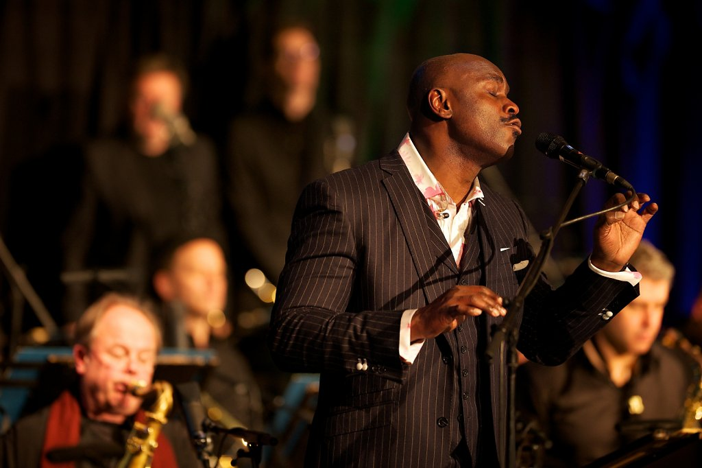 Ola Onabule / WDR Big Band
